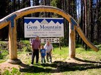Site - Gem Mtn with Grandparents